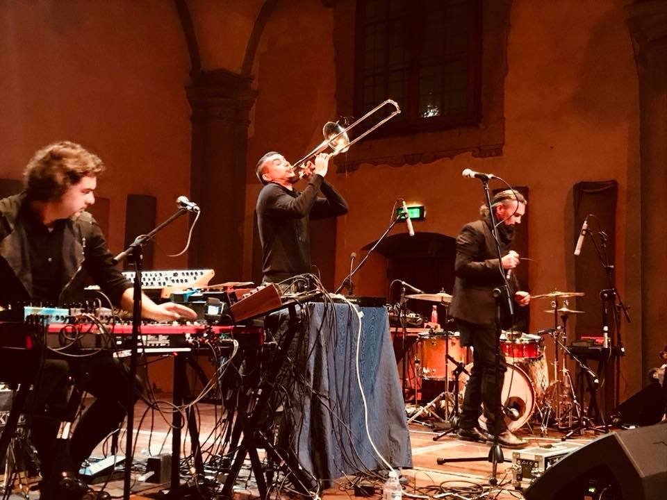Photo of Live Report: Gianluca Petrella Trio + John De Leo @ Sala Vanni (Firenze, 21 ottobre 2017)