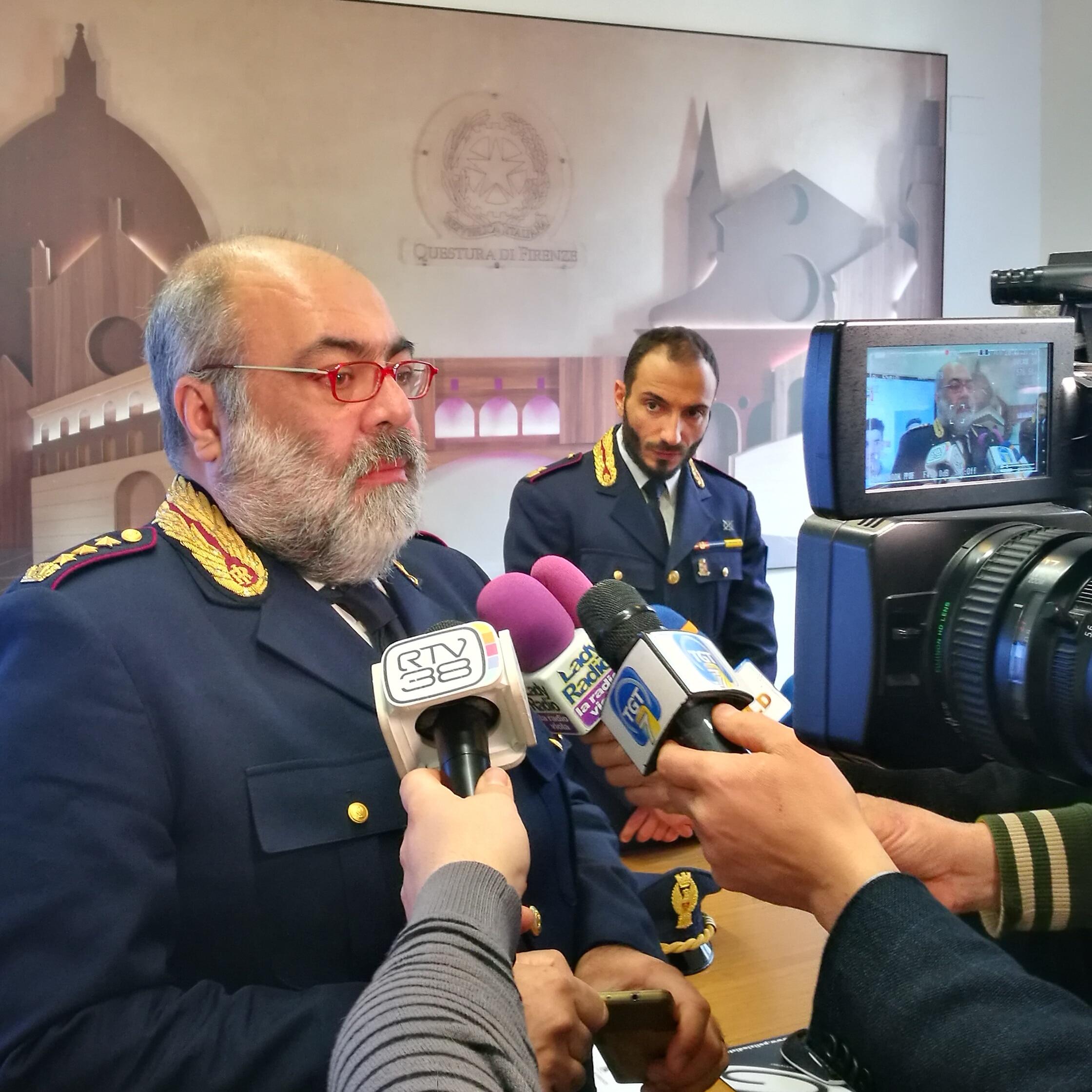 """Photo of Ultraottantenni nel mirino di """"predatori seriali"""", la Polizia di Stato sgomina un'intera banda a Firenze"""