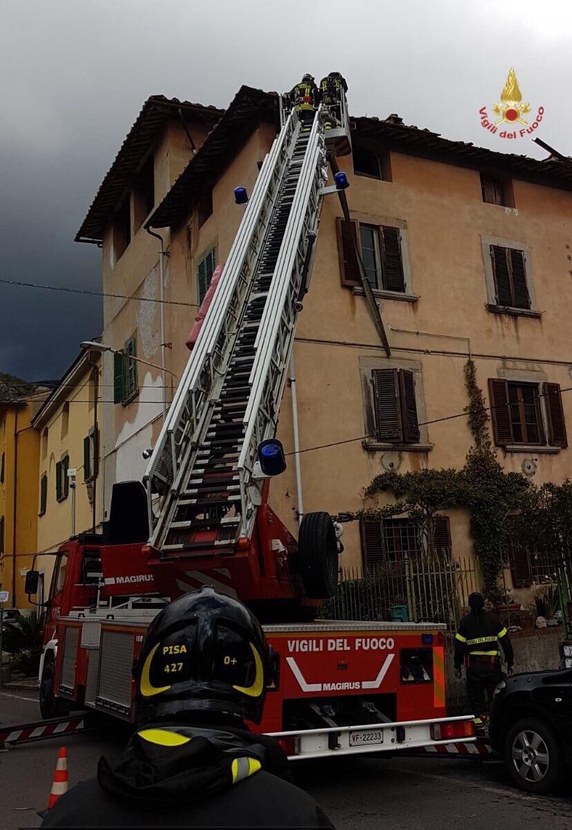 Photo of MALTEMPO – Forte vento e tromba d'aria in Provincia di Pisa, danni a case ed alberi caduti