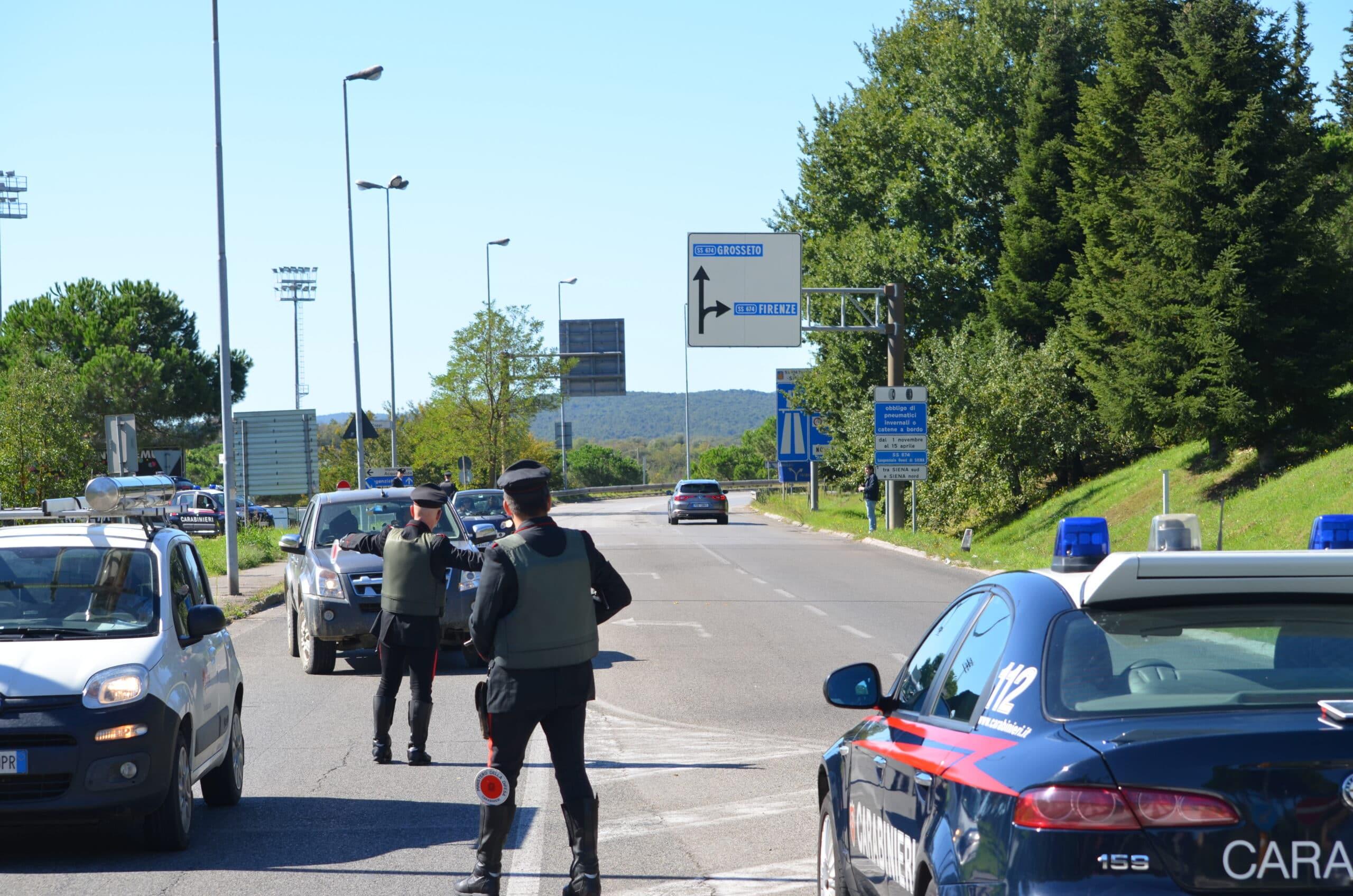 Photo of SIENA – Fugge dai Carabinieri a posto di blocco, in manette un 37enne di Chianciano Terme