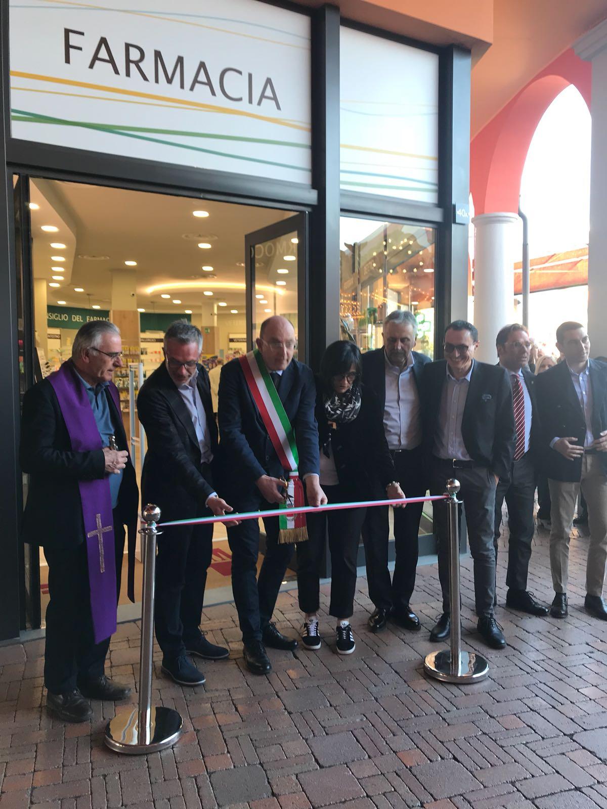 Photo of Al Valdichiana Outlet Village inaugurata la nuova Farmacia Comunale