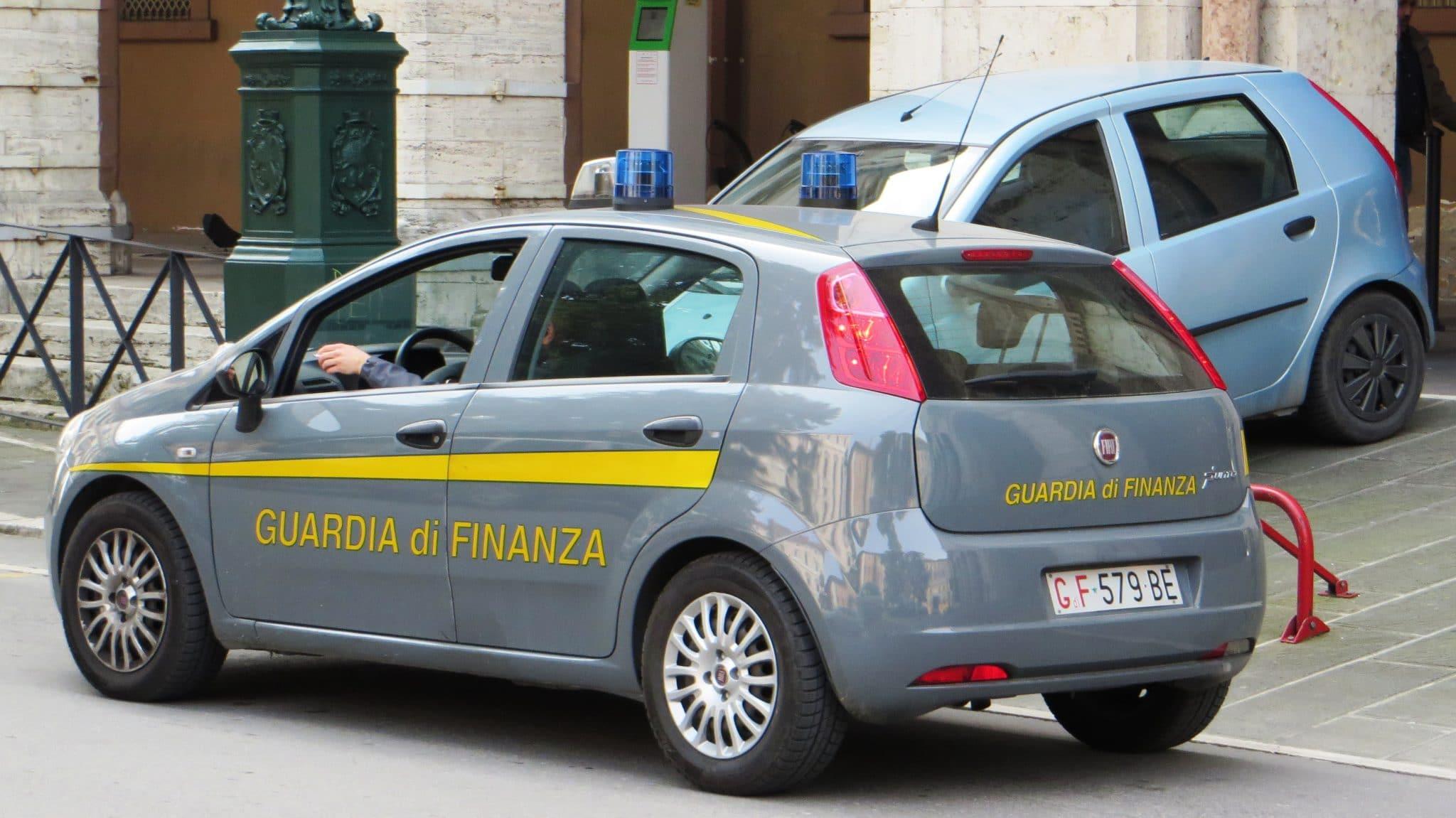 Photo of Arrestati un imprenditore di Fucecchio ed un avvocato di Napoli