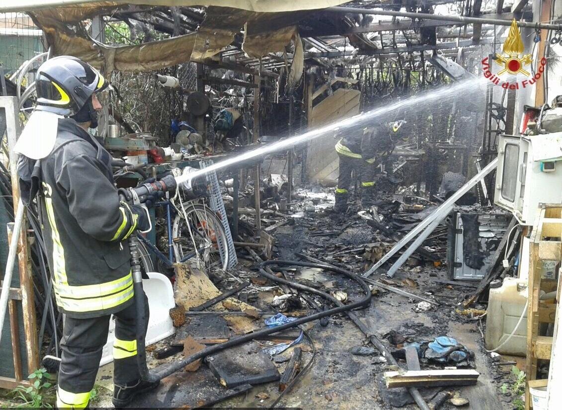 Photo of PISA – Incendio in condominio in via Minore, ustionato un uomo