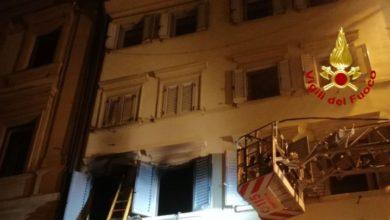 Photo of LUCCA – Appartamento in fiamme a Barga, ustioni ad un braccio per un uomo