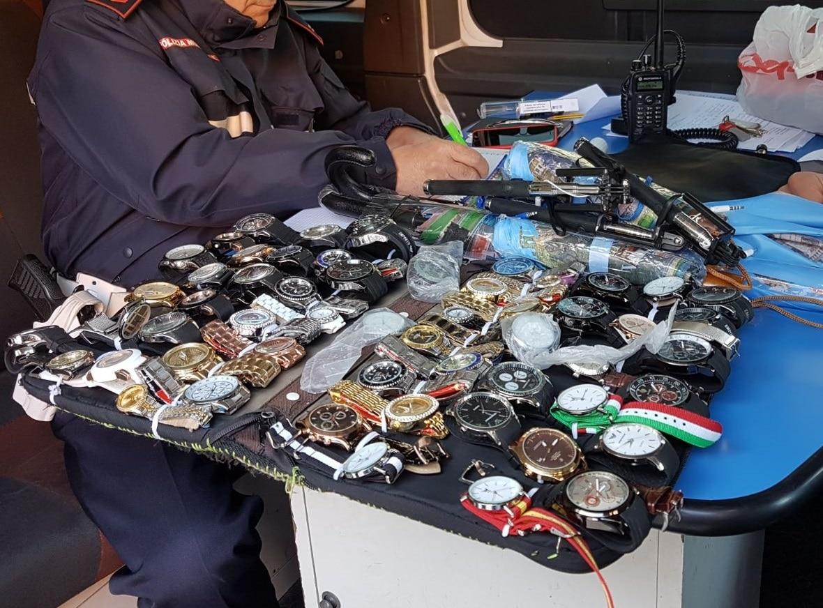 Photo of PISA – Lotta ai venditori abusivi, 150mila euro di multe nel 2018