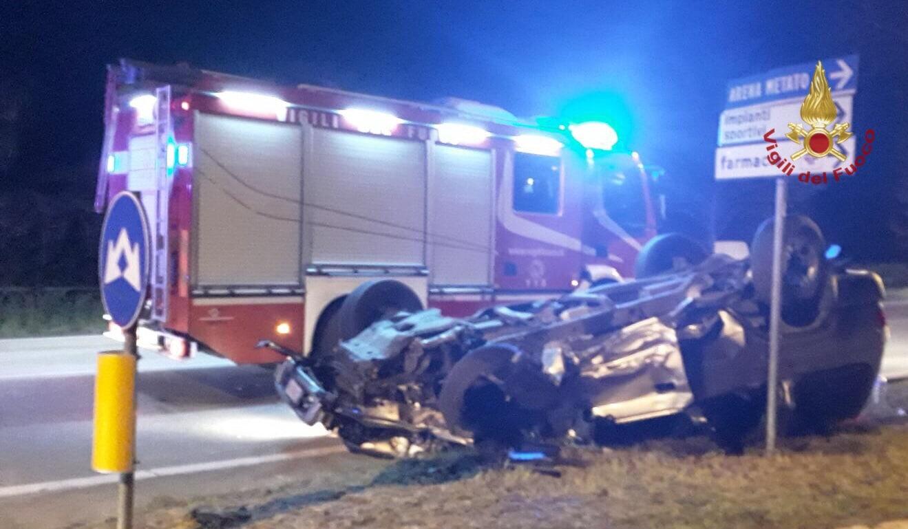 Photo of PISA – Incidente nella notte sulla Via Aurelia, giovane perde il controllo dell'auto.