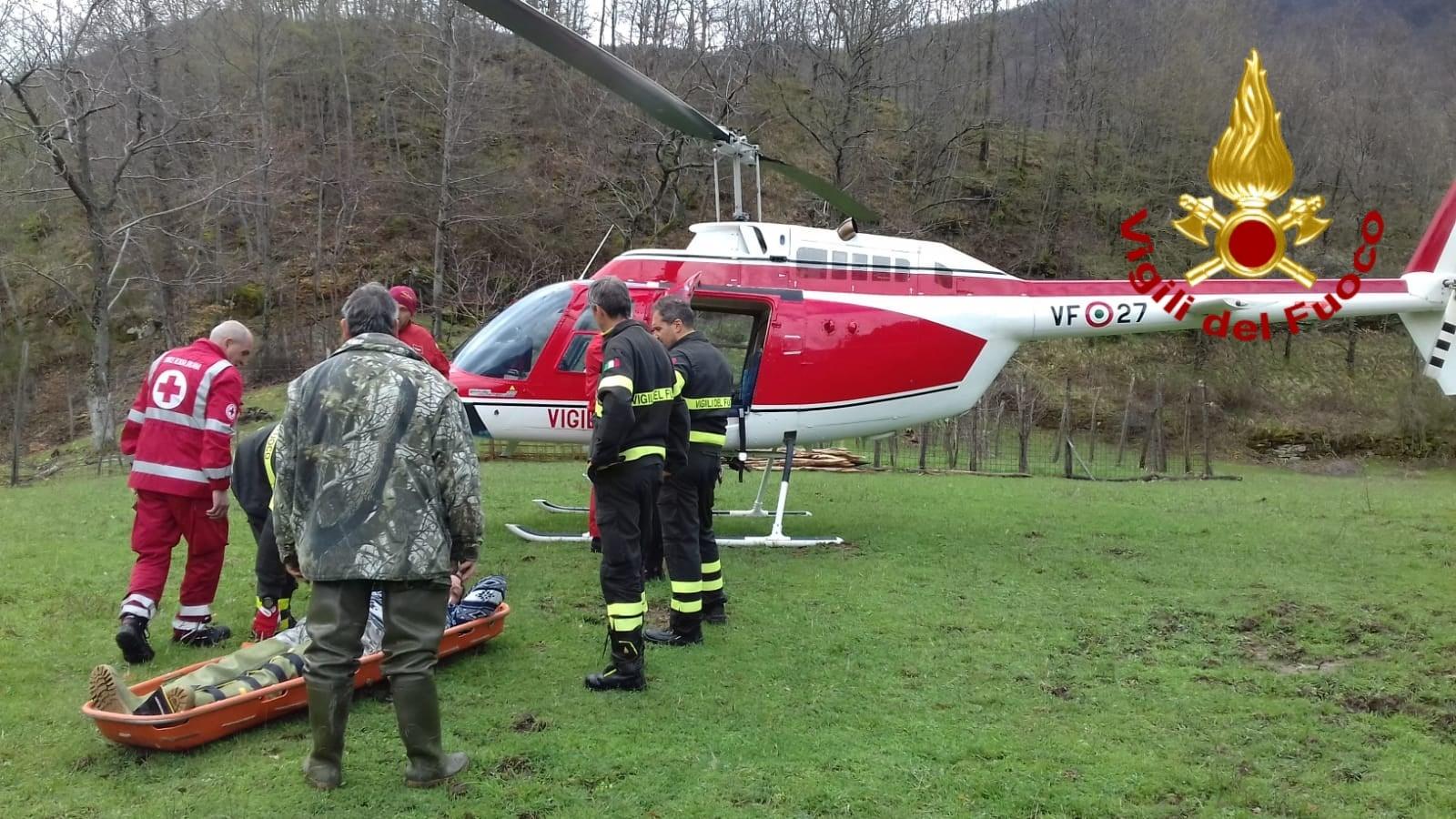 Photo of AREZZO – Pescatore ferito lungo l'Archiano. Trasportato in elicottero in Ospedale