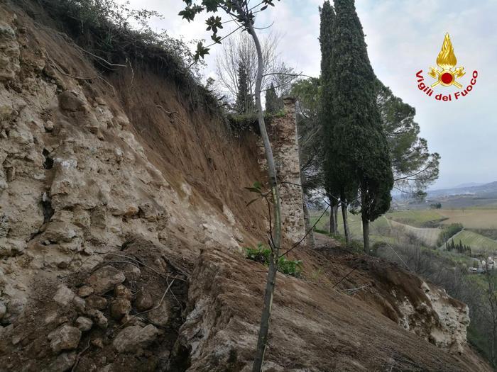 Photo of Crollo delle mure medioevali di San Gimignano