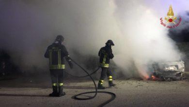 Photo of PISA – Fiamme nella notte. Due auto bruciate a San Giuliano Terme