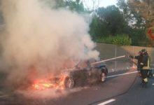 Photo of Incidente FiPiLi, auto in fiamme a Navacchio