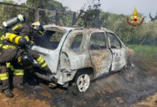 Photo of Auto GPL in fiamme a Follonica sulla via Aurelia