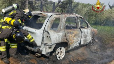 Photo of Auto GPL in fiamme a Follonica sulla via Aurelia