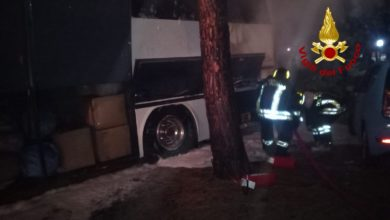 Photo of PRATO – Autobus turistico in fiamme nella notte