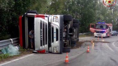 Photo of PISA – Si ribalta un TIR a Montopoli Valdarno, conducente illeso