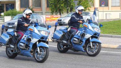 Photo of FIRENZE – Ruba la borsa dal cestino della bici di una donna, arrestato dai poliziotti motociclisti