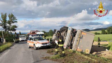 Photo of SIENA – Si ribalta camion sulla SP541 a Colle Val d'Elsa, ferito il conducente