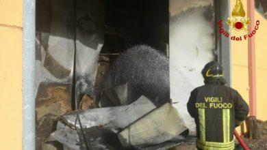 Photo of LIVORNO – In fiamme rimessa di automezzi a Bibbona