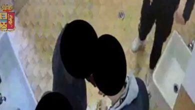 Photo of Spaccio di droga nei bagni di istituto scolastico a Firenze – VIDEO