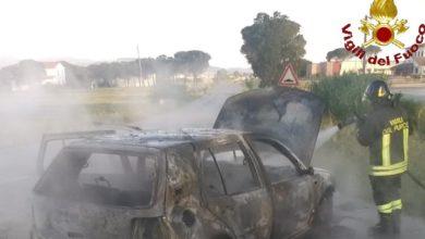 Photo of GROSSETO – Auto distrutta dalle fiamme, incolume il conducente