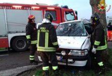 Photo of PISA – Incidente stradale, auto contro albero. Conducente ferito