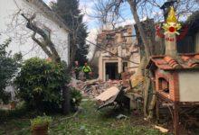 Photo of LUCCA – Esplode abitazione, in corso l'intervento dei Vigili del Fuoco