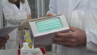 Photo of Coronavirus, da lunedì mascherine distribuite in farmacia e a domicilio dai Comuni