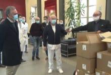 Photo of FIRENZE – Coronavirus, Rossi consegna le mascherine a Careggi e Santa Maria Nuova