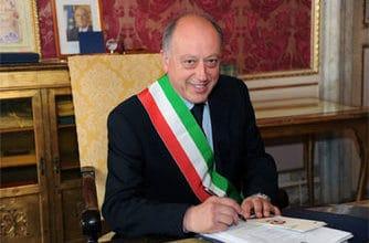 Photo of LUCCA – Il sindaco Alessandro Tambellini dimesso dall'Ospedale San Luca