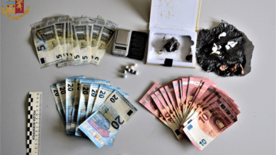 """Photo of LIVORNO – """"Supermarket"""" della droga in centro, la Polizia di Stato arresta tunisino con eroina, cocaina e hashish"""