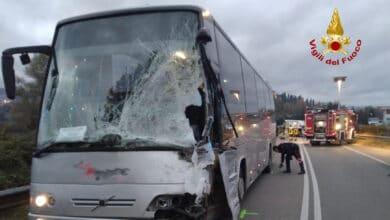 Photo of CASENTINO – Drammatico incidente tra due mezzi sulla SR 70 a Poppi